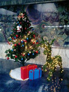 クリスマスツリーとトナカイ