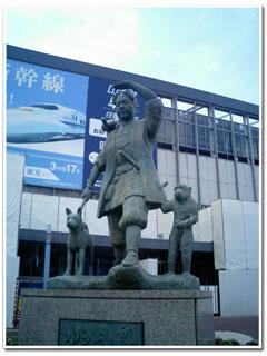 岡山駅前桃太郎