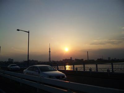 キャンペーンの帰り道の夕焼け